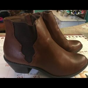 Sonoma women's boots booties Brown 8